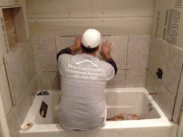Керамическая плитка на гипсокартон в ванной ложится просто отлично