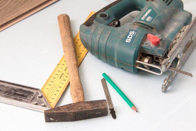 инструменты для укладки ламинта