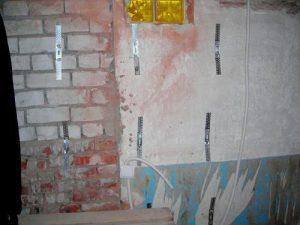 установка подвесов на стену