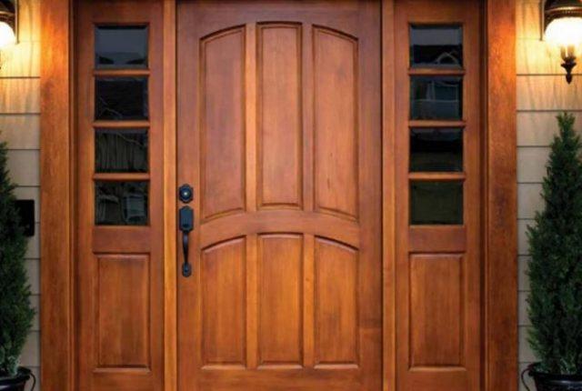 отделка металлической двери деревом