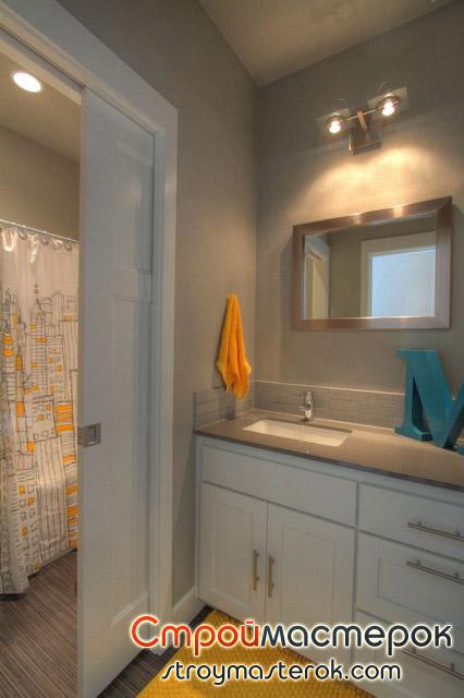 Раздвижная дверь-купе в ванную комнату
