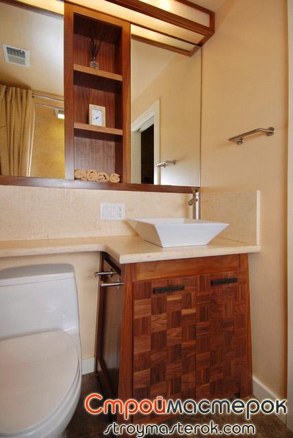 Шкаф зеркало в маленькой ванной комнате в хрущевке