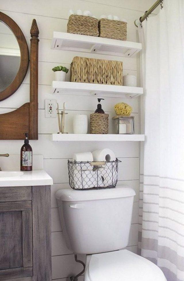 полочки в маленькой ванной