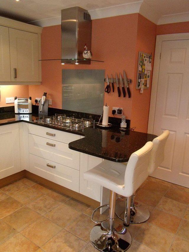 фото белой угловой кухни