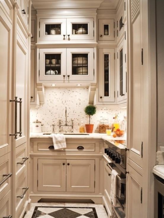 Идеи дизайна маленькой кухни. Кремовый цвет