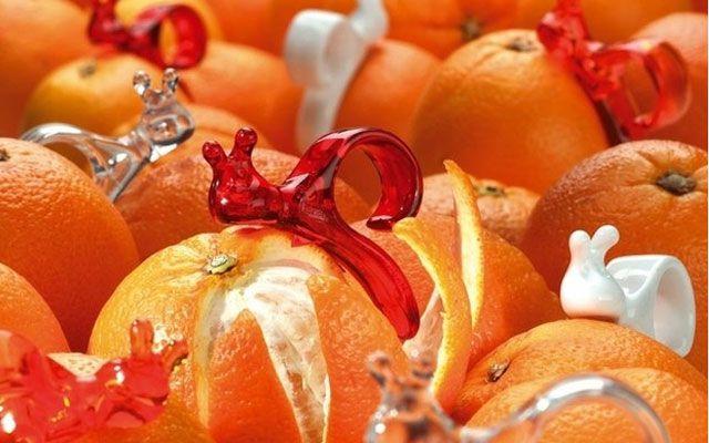Кухонный полезный гаджет для чистки апельсин