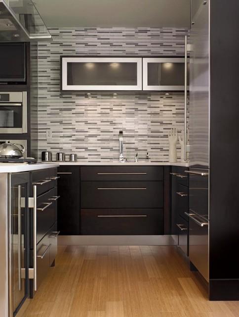 Кухня в стиле модерн темная