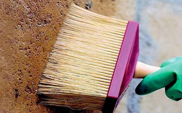 обработка стен грунтовкой перед поклейкой обоев