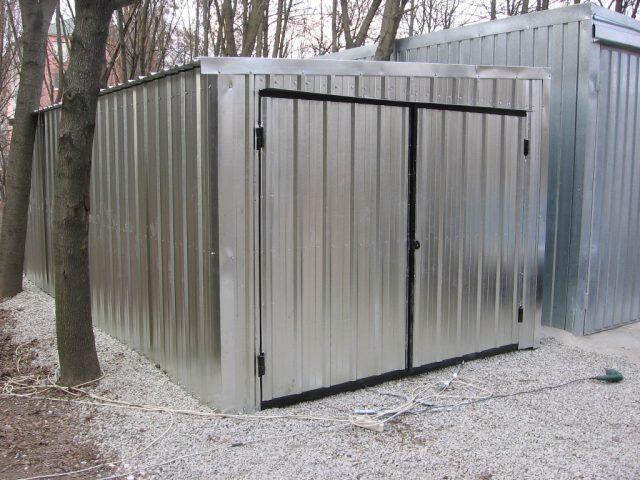 внешний вид гаража из профнастила