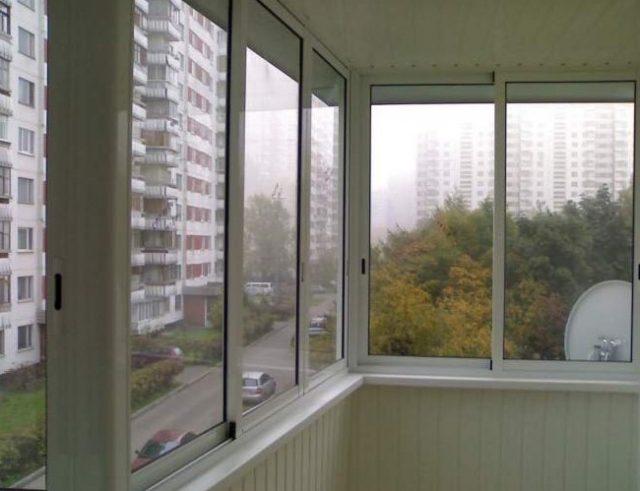 Виды остекления балкона: холодный вариант