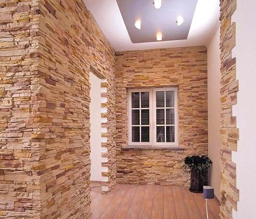 отделка стен прихожей камнем