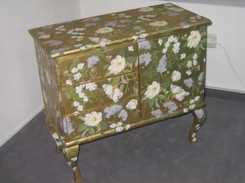 Декорируем старую мебель