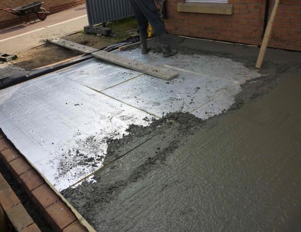zalivaem-beton-600x462