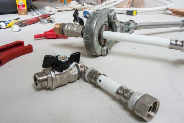 этапы ремонта ванной комнаты монтаж труб