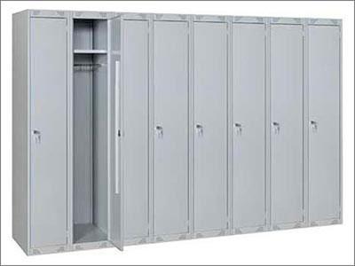 Организация пространства раздевалок: использование шкафов